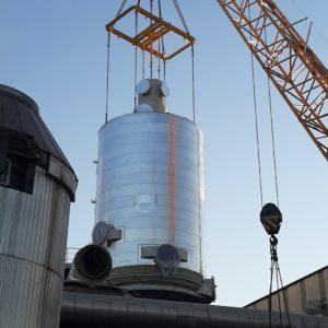 100 tonnia painavan konvertterin paikalleen asennus